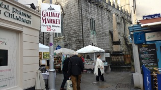 The main entrance to the Saturday market near St. Nicholas Church